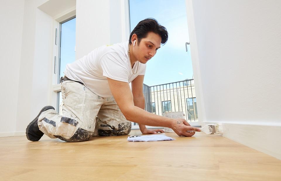 Painting wood, woodwork and panels - Maler-Teamet